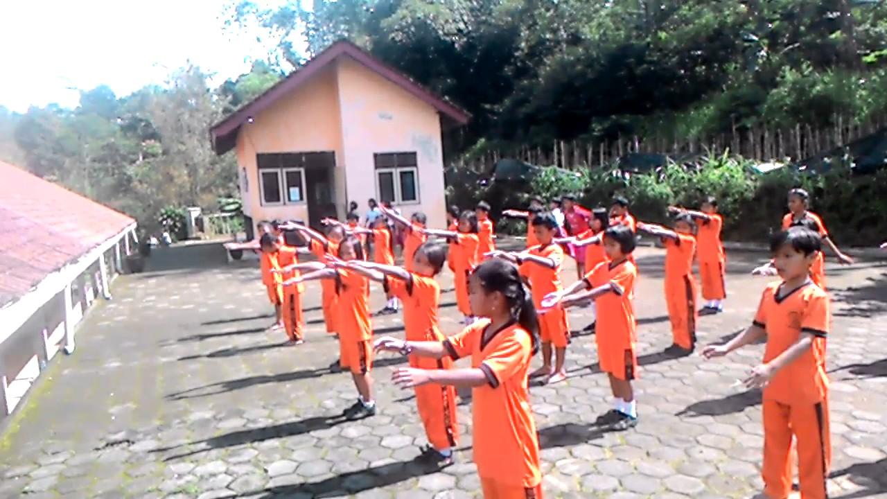 aktivitas ritmik sekolah dasar